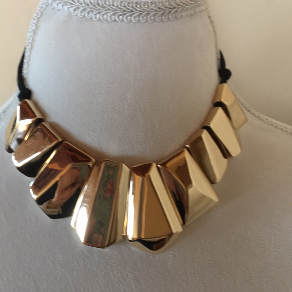 St Thomas Jewelry Gorgeous St Thomas Gold Tone Statement Necklace